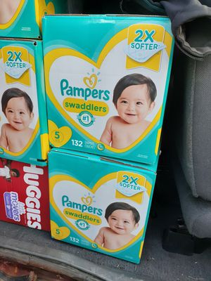 Pampers size 5 for Sale in Aurora, IL