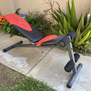 Selling a adjustable incline exercise bench weider pro 255L for Sale in Corona, CA