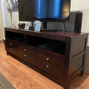 TV Stand (Cheap) for Sale in San Diego, CA
