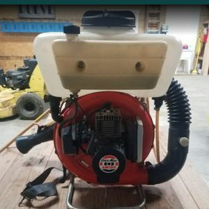 Sprayer / blower for pesticides and insecticides. for Sale in Columbus, OH