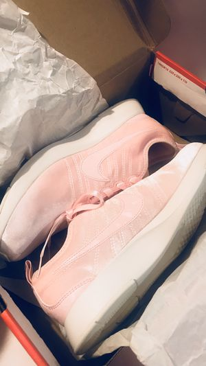 Nike Dualtone Racer arctic pink shoes /sneakers for Sale in Los Angeles, CA