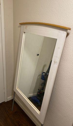 Dresser Mirror for Sale in Dinuba, CA