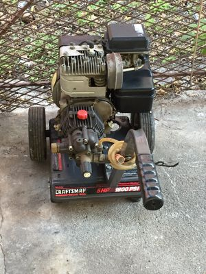 Craftsman 5hp 1800 psi gas operated high pressure washer for Sale in Miami, FL