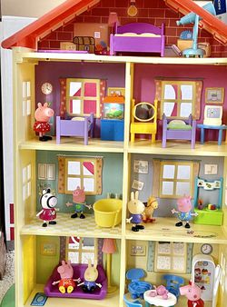 Peppa Pig Lights and Sounds Home + Fort and Extras! for Sale in Beaverton, OR