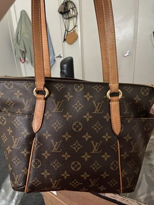 Louis Vuitton totally pm bag Authentic for Sale in Los Angeles, CA