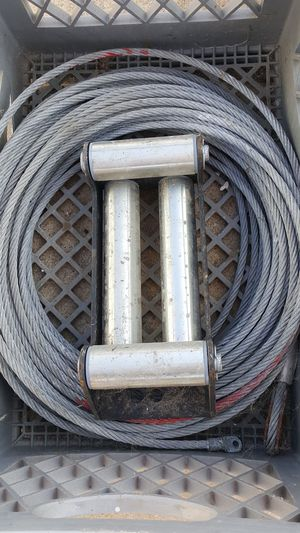 Jeep Winch cable 100ft with fairlead Fitz Warren Smittybilt and Harbor Freight for Sale in Imperial Beach, CA