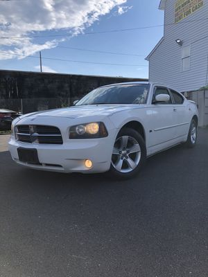 2010 Dodge Charger 3.5L **MD INSPECTED** for Sale in Baltimore, MD