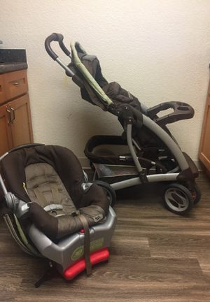 GRACO car seat stroller travel system for Sale in Salinas, CA
