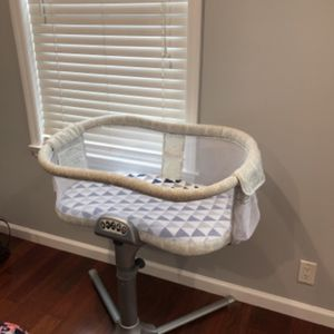 HALO BASSINET for Sale in Larchmont, NY