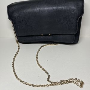 Luxury Leather Bag With Gold Chain for Sale in Miami, FL