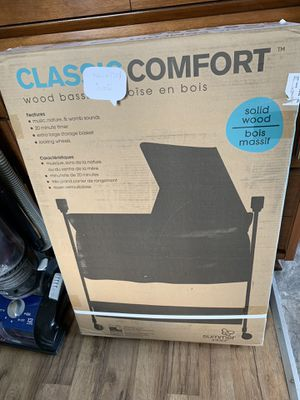 Brand new bassinet in box not opened and pls feel free text to get more pics for Sale in Rolla, MO