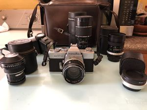 Minolta SRT 101 Vintage Camera 📷 with 5 Lenses, Flash, and Leather Bag for Sale in Los Angeles, CA