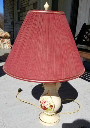 Beautiful Lamp for Sale in Catasauqua, PA