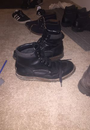 Black uggs 250 regular for 40$ for Sale in Chicago, IL