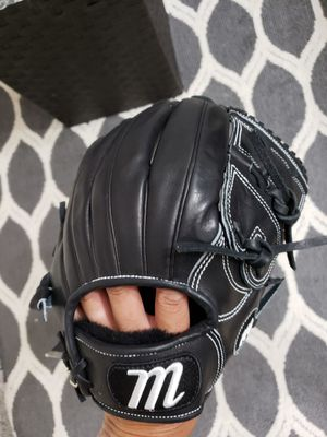 Marucci Founders Series 11.5inch Baseball Glove for Sale in Newport Coast, CA
