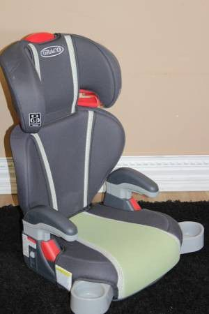 GRACO TURBO BOOSTER 2 in 1 HIGHBACK CAR SEAT for Sale in Tampa, FL