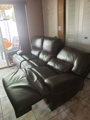 Mueble reclinable eléctrico for Sale in Miami, FL