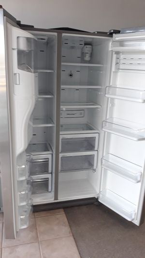 Samsung stainless steel side by side refrigerator excellent condition for Sale in Laurel, MD