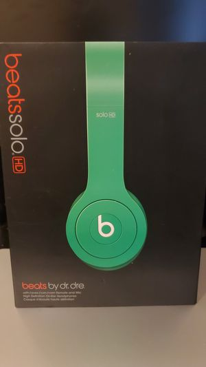 Green Beats Solo HD (No cable included) for Sale in Pomona, CA