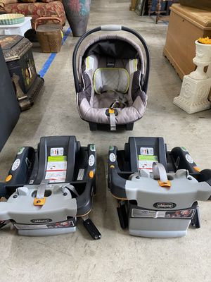 Chicco KeyFit 30 Infant Car Seat with two bases for Sale in Lexington, NC