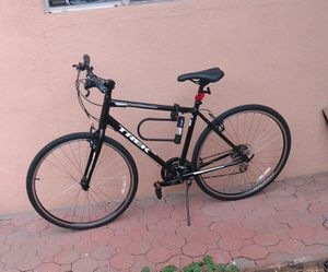 29 inch TREK FX 1 mountain mt bike bicycle hybrid for Sale in Las Vegas, NV