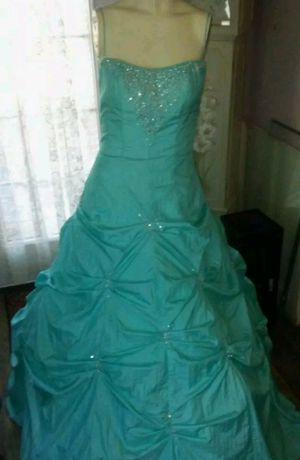 Couture swarovski crystals gown MoriLee Madeline Gardner for Sale in Westwood, NJ