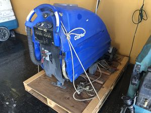 Clarke Encore L26 cylindrical floor scrubber for Sale in HUNTINGTN BCH, CA