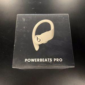 Beats Powerbeats Pro Wireless Earbuds (Ivory) for Sale in Kent, WA