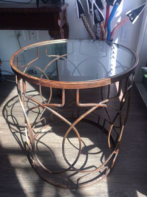Side table for Sale in Nashville, TN