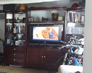 City furniture wall unit. for Sale in Miami, FL