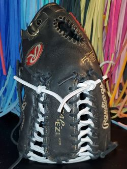 Rawlings Heart Of The Hide Glove for Sale in Riverside,  CA
