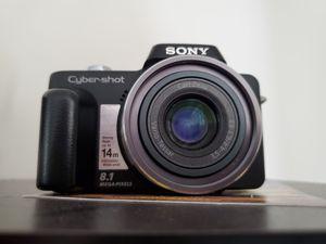 Sony Cyber-shot DSC-H3 8.1MP Digital Camera - Black for Sale in Covington, KY