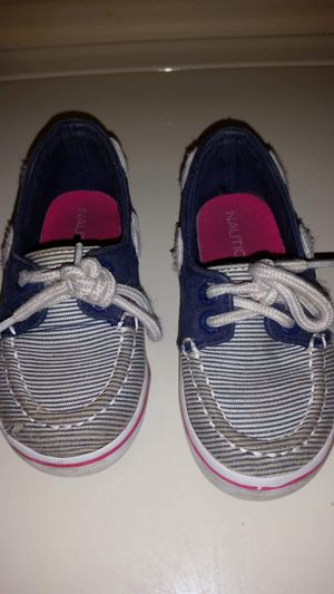 Nautica kids boat shoes size 7. Small tear as noted on the toe of the right shoe for Sale in Largo, FL