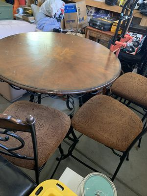 KITCHEN WOOD TABLE WITH THREE STOOL CHAURS for Sale in Rancho Cucamonga, CA