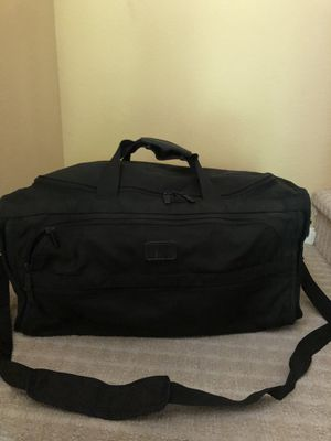 TUMI Ballistic Expendable weekender duffle l bag canvas for Sale in San Diego, CA