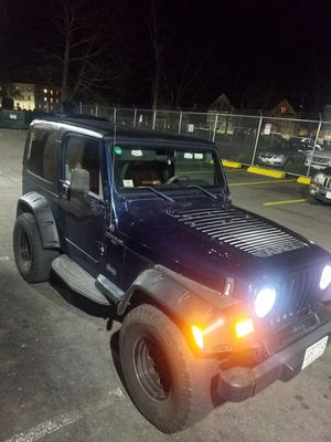 Jeep wrangler for Sale in Lynn, MA