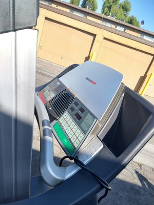 Tread mill health rider ruuner good incline working good for Sale in City of Industry, CA
