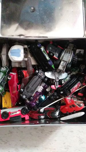 Lunchbox full of hotwheels for Sale in Lynwood, CA