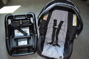 Baby Trend Ally 65 Black and Grey Infant Car Seat with Base for Sale in Chandler, AZ