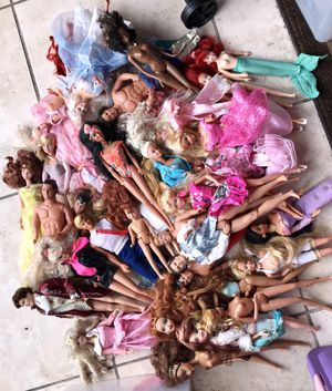 Gorgeous VINTAGE Lot EXCELLENT Barbies, Kens, Skipper & Beautiful Clothes & Accessories(Huge 3 Containers Filled) for Sale in Orlando, FL