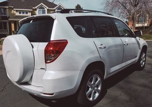 TOYOTA RAV4 2006 BEAUTIFUL CLASSY SHAPE - SANITIZED! for Sale in Lancaster, CA