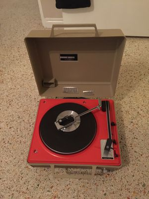 Vintage Westinghouse record player for Sale in Madeira Beach, FL