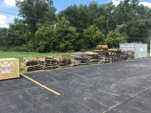 Free Pallets 8-13/ 8-14 for Sale in Marion, OH