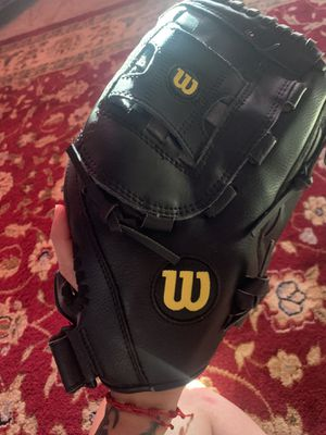 Softball Glove for Sale in Reedley, CA