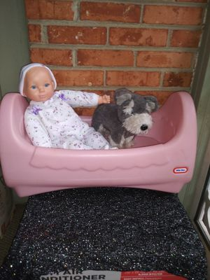 Fisher Price doll bed and doll and stuff animal for Sale in Charlotte, NC