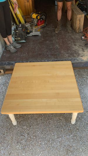 Maple top coffee table for Sale in Leavenworth, WA