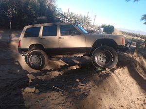 Jeep Cherokee 4x4 for Sale in Thermal, CA