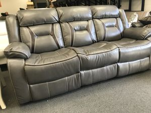 New leather recliner couch for Sale in Los Angeles, CA