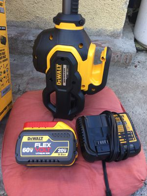 "60V. Lithium ion. 15"" brushless string trimmers for Sale in Los Angeles, CA"