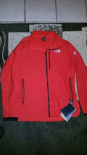 NORTH FACE SUMMIT FUSEFORM FLEECE for Sale in Reedley, CA